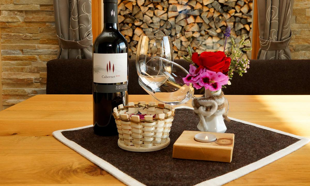 South Tyrolean wine and glasses